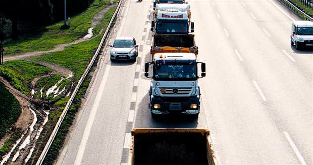 300 kamyonla hafriyat eylemi
