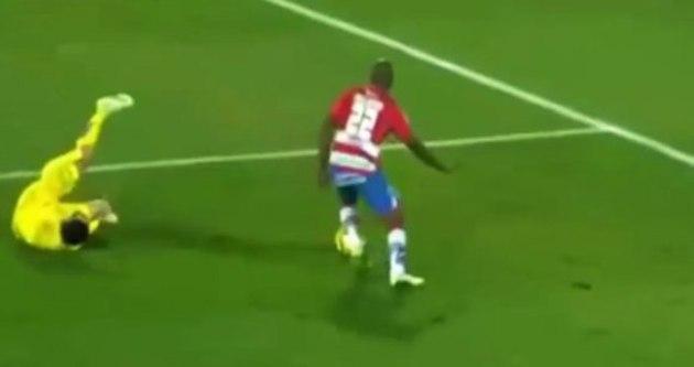 Genç futbolcunun ayağı kırıldı