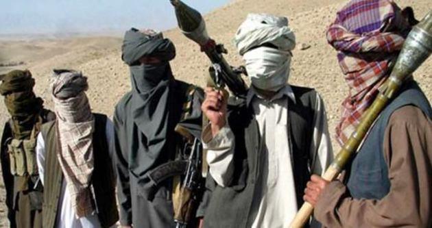 Pakistan'da Taliban sığınakları bombalandı
