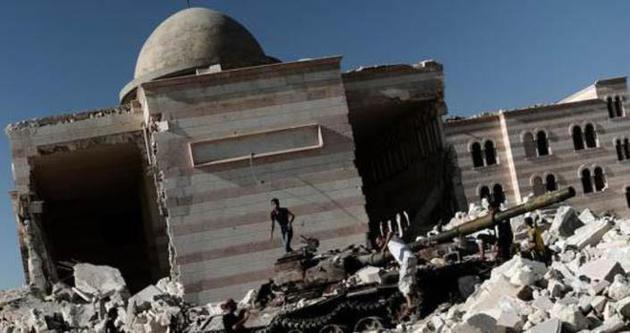 Suriye ordusu, cuma vakti cami bombaladı!