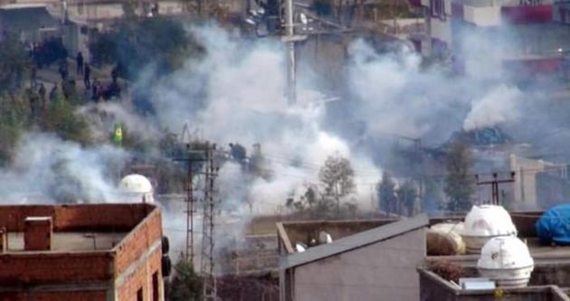 PKK Cizre'nin Nur Mahallesi'ni ateşe verdi