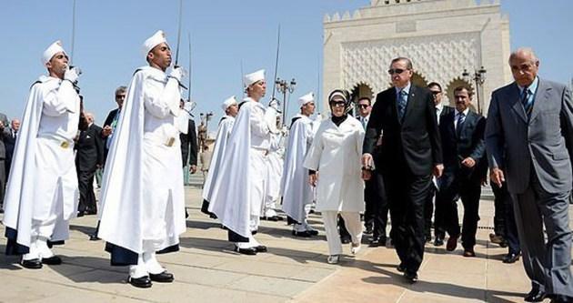 Cumhurbaşkanı Erdoğan Fas kralını ailesiyle birlikte kabul etti