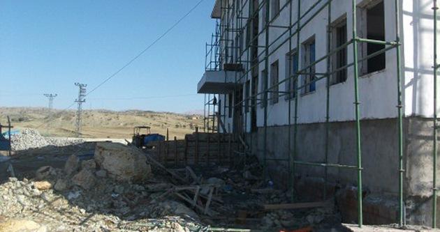 Çin'de okul inşaatında çökme: 10 ölü