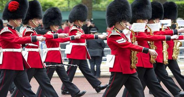 İngiltere'de kraliyet askerlerinin terör korkusu