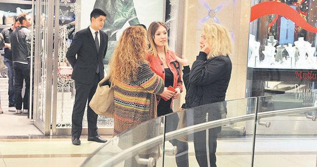 Yasmin Erbil'in yeni yıl hediyesi kriz yarattı