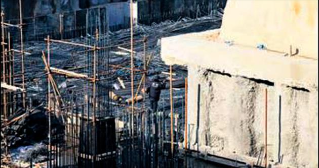 Şantiye iskelesi devrildi: 10 ölü