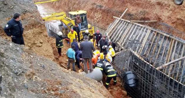 Drenaj inşaatındaki göçükte işçiler mahsur kaldı