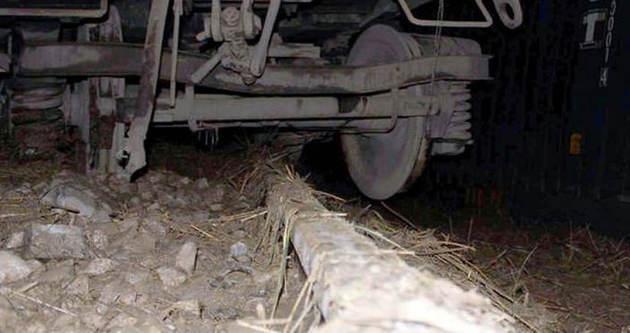 Zonguldak-Karabük arasında tren devrildi