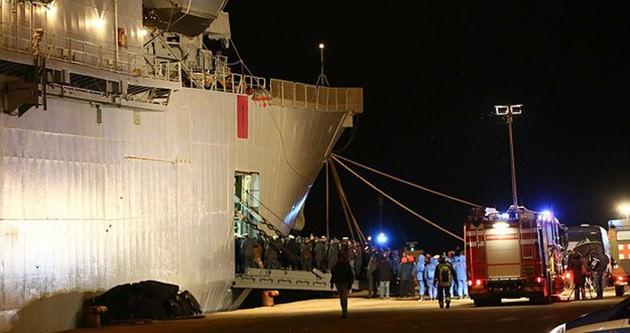 Adriyatik'te yanan gemideki son yolcular indi