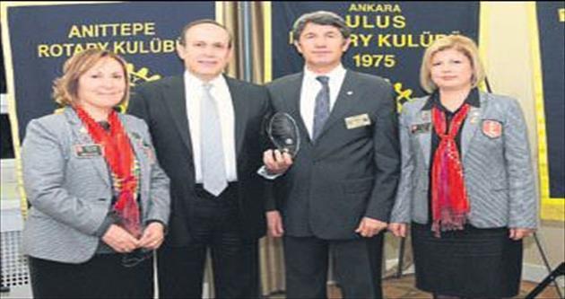 Büyükelçiye hizmet ödülü