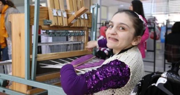 İşitme engelliler için fotoğraf kursu