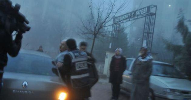 34 polis gözaltında