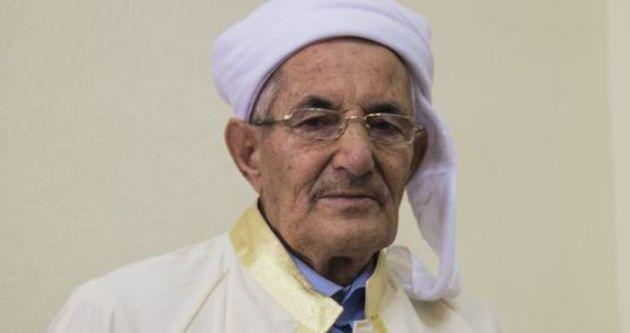 82 yaşındaki emekli imam dört dilde kitap yazdı