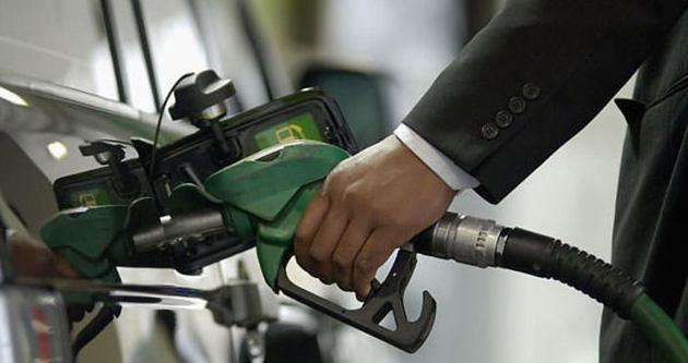 Petrol fiyatı 55 doların altına geriledi