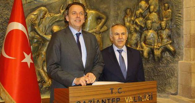 Valinin sözleri Hollandalı bakanı terletti