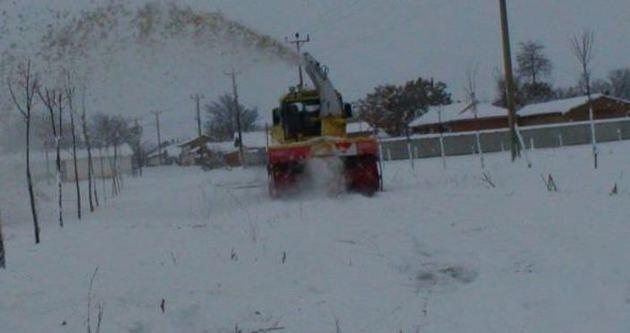 Kar püskürtme makinasi bir işçiyi parçalayarak öldürdü