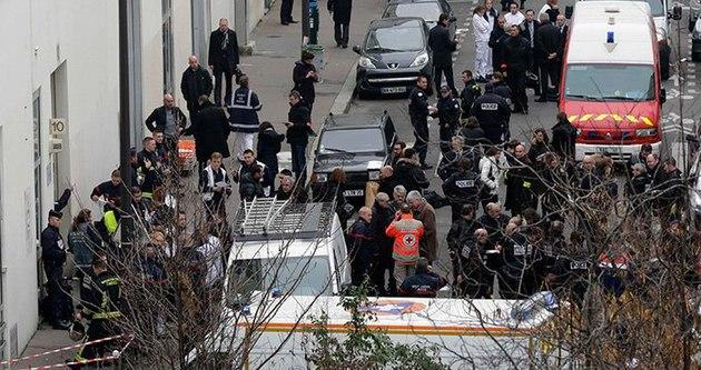 Fransa'da şimdi de camilere saldırı