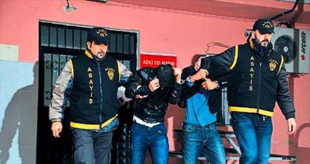 Sahte polisler suçüstü yakalandı