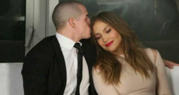 Jennifer Lopez aldatan sevgilisi Casper Smart'ı affetti
