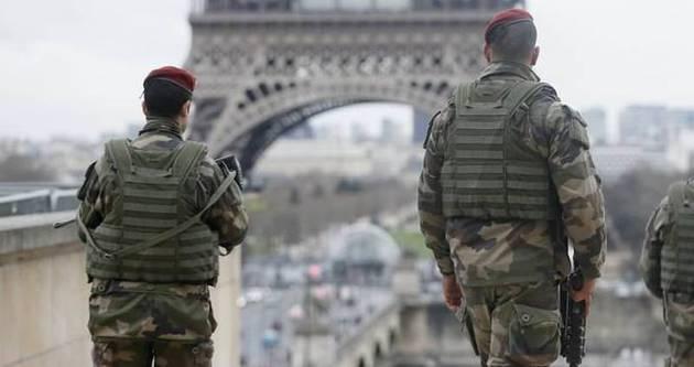 Paris hayalet şehre döndü!
