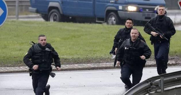 Fransa'da iki yeni rehine krizi iddiası!