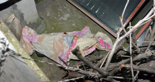 Adana'da damda çıplak bebek cesedi bulundu
