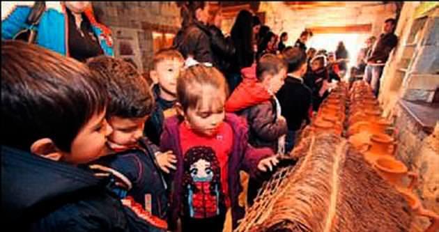 Çocuk ve kadınlara kültür seyahatleri