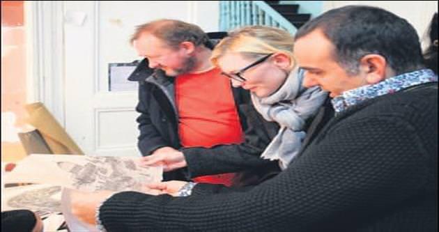 Oscar'lı yıldız Cate Blanchett ressam Acar'ı ziyaret etti