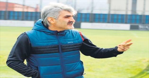Osmanlıspor'un 3. teknik direktörü Tütüneker