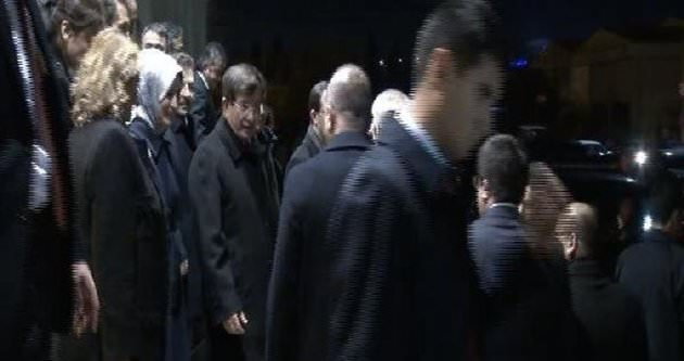 Başbakan Davutoğlu yurda döndü