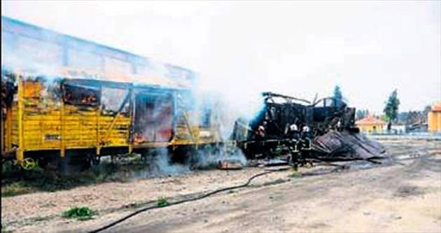 Tren garında vagon yangını korkuttu