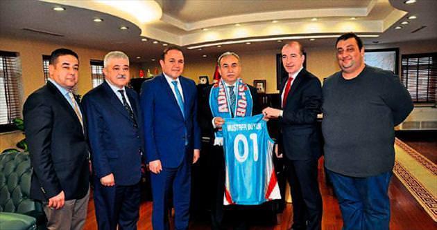 Adana Aaski Spor'dan vali Büyük'e ziyaret