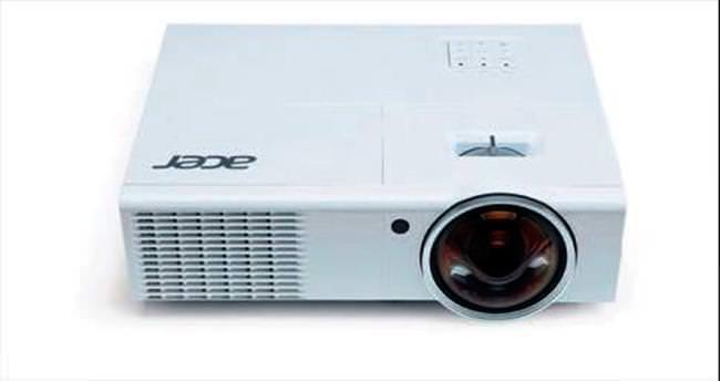 Acer'dan eğitime özel projektör
