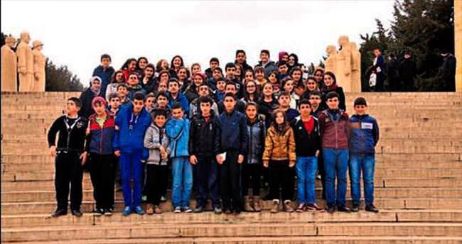 Bilgi evi öğrencileri Anıtkabir'i ziyaret etti