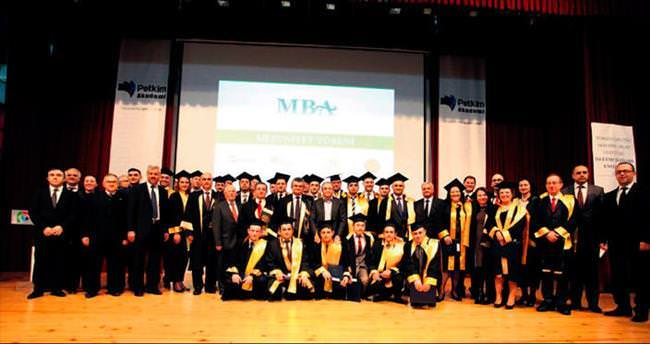 Petkim çalışanları diploma aldı