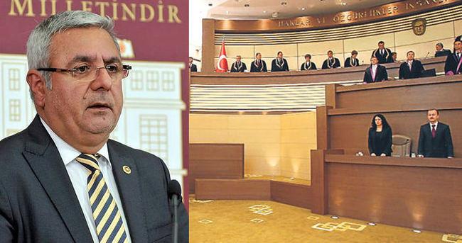 Mehmet Metiner oyunun rengini açıkladı