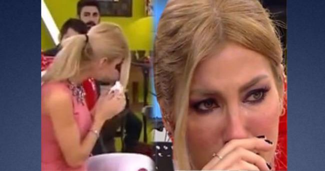 Çağla Şıkel canlı yayında gözyaşlarına boğuldu