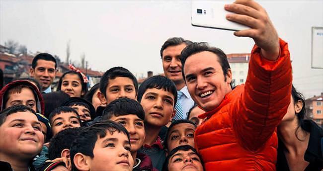 Mustafa Ceceli'den eğitime destek