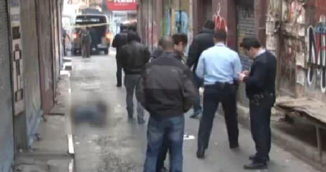 Beyoğlu'nda sokak ortasında cinayet