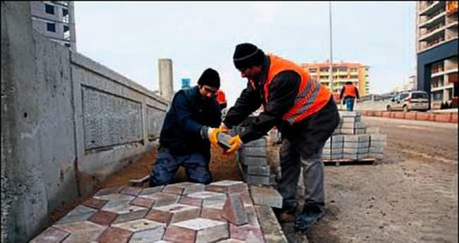 Belediye ekipleri sürekli çalışıyor