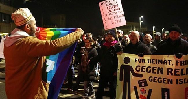 PEGİDA'cılar ve ırkçılık karşıtlarından gösteri