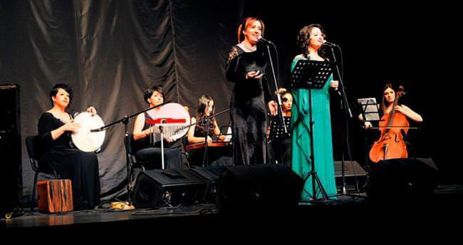 Bursalılar Grup Ayışığı ile müziğe doydu