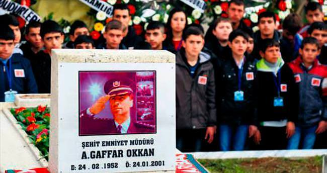 Mezarı başında 102 küçük Ali Gaffar