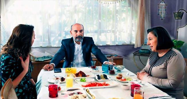 Mustafa Avkıran'ı 22 yaş gençleştirdiler