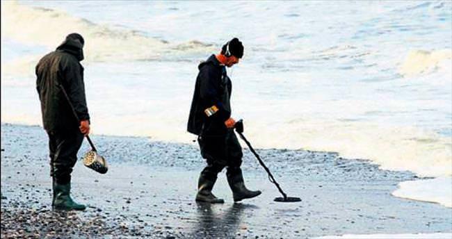 Fethiye plajlarında define avı başladı