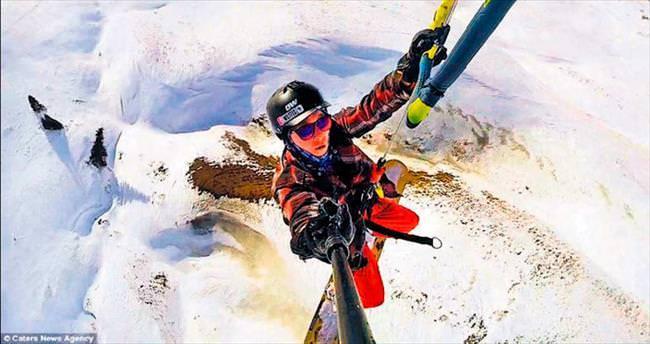 Uçan snowboard'cu