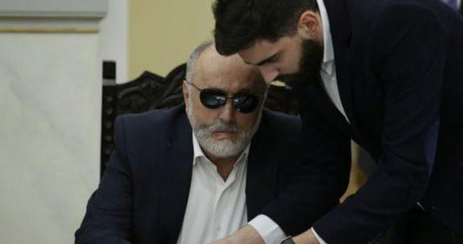 Yunanistan'ın yeni sağlık bakanı görme engelli