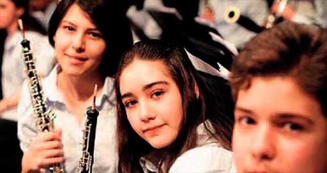 Çocuk Senfoni Orkestrası İzmir'de