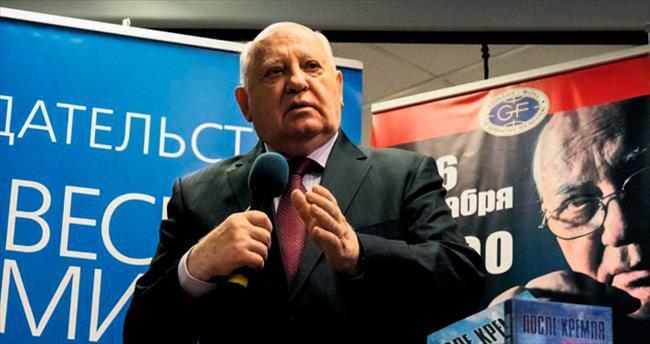 Gorbaçov uyardı: Sıcak savaş kapıda