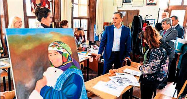 Muratpaşa'nın meslek ve hobi kurslarına ilgi